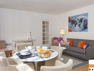 Photo for 107404 - Warm and modern apartment for 4 people near the Eiffel Tower