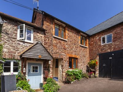 Photo for Cosy stone cottage on Exmoor National Park. cycle/walk from door. Pub 2 mins.