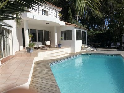 Photo for Superb Villa with swimming pool 150m from the beach.