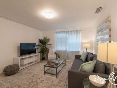 Photo for Cute 1 B/R Apt - 10 min walk to downtown Hollywood