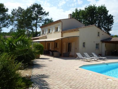 Photo for Villa, nestled in the heart of Provence between sea and mountain, quietness
