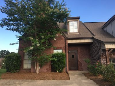 Monthly Lovely Private Town Home includes Cable and Utilities