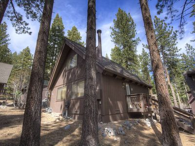 Photo for Luxury Incline Cabin, w/Hardwood & Granite, BBQ, Fireplace by Skiing (IVH0622)