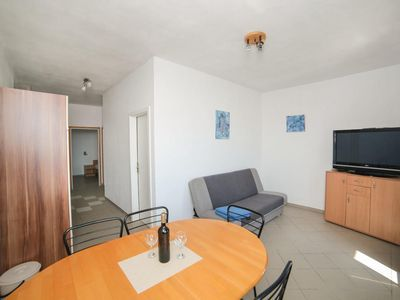 Photo for Two bedroom apartment near beach Brist, Makarska (A-18096-b)
