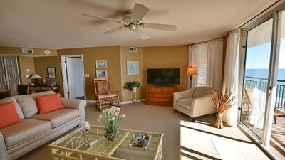 Photo for OCEANFRONT SEPT WKS AVAILABLE   CLEAN UPDATED DECOR, LAZY RIVER, POOLS, HOT TUB