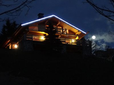 Photo for Chalet Anne 5 * 11 people on the ski slopes. Outdoor Jacuzzi
