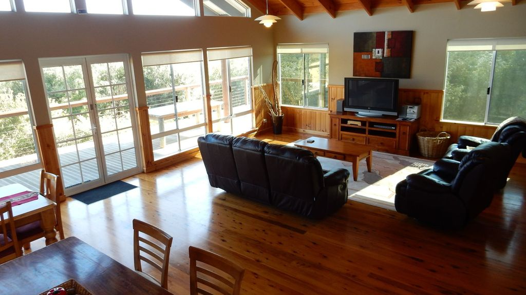 Cape Howe Cottages - The Wardroom