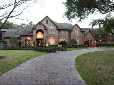 Photo for Beautiful estate home, gym, gameroom, gated, pool, privacy