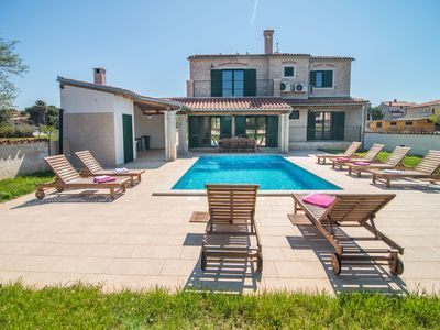 Photo for Minimalistically decorated villa Pomer with private pool and fenced yard