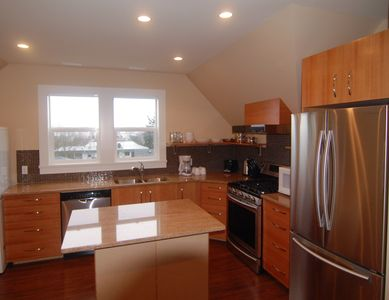 Photo for 2BR Apartment Vacation Rental in Victoria, BC