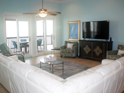 Photo for Gulf Front. New furnishings, Amazing home! Sleeps 10