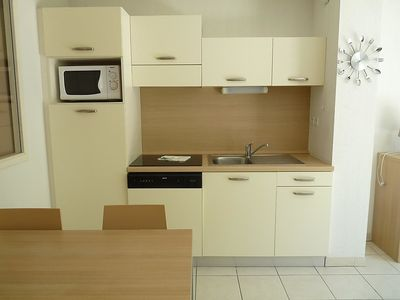 Photo for Apartment in Azille with Parking, Internet, Washing machine, Pool (453987)