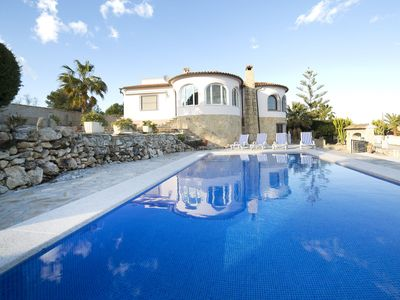 Photo for This 4-bedroom villa for up to 8 guests is located in Calpe and has a private swimming pool and Wi-F