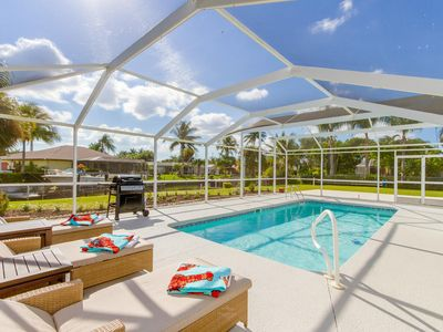 Photo for Awesome Location Walking Distance to Town, Waterfront, Heated Pool, Bicycles