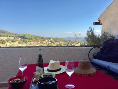 Photo for Village house with panoramic terrace in the luberon
