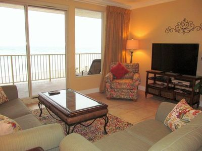 Great Space - The living room seats are comfortable, the view is spectacular, and the Florida experience is just around the corner. Book your stay at Treasure Island 207 today!
