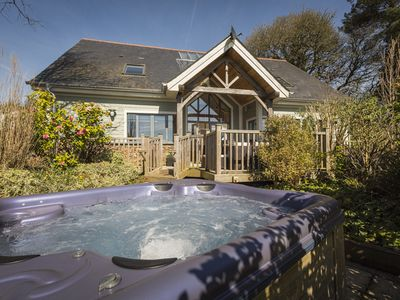 Photo for COURT LODGE, HILLFIELD VILLAGE, with pool in Dartmouth, Ref 995358
