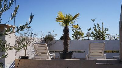 Photo for South-facing duplex with 60-m² terrace and panoramic views of the sea and hills