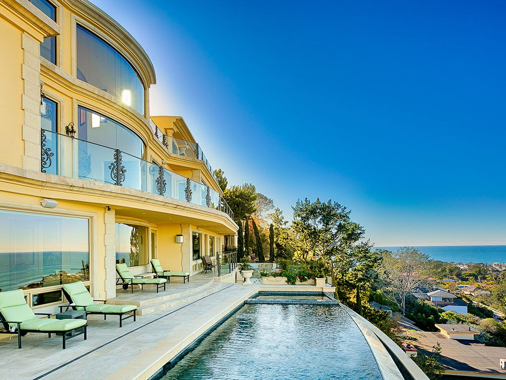 Hillside california home with gorgeous outdoor spaces - Hillside Home With Infinity Pool Heated Pool Outdoor Kitchen Ocean View