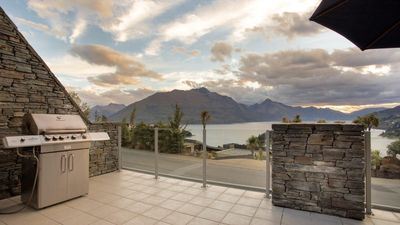 Photo for 2BR Villa Vacation Rental in Queenstown