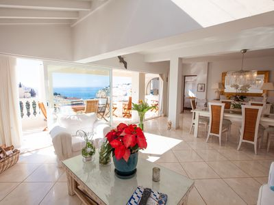 Photo for Fabulous villa with private pool in the heart of Carvoeiro