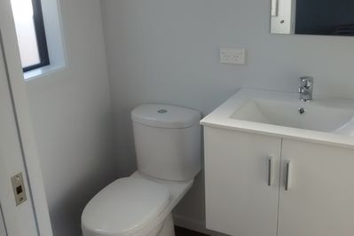 Toilet/Shower/Vanity