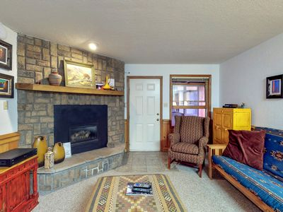 Photo for Cozy condo a  few blocks from ski resort w/  WiFi & flatscreen TVs! -Dogs OK