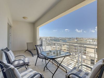 Photo for Luxury Apartment inc Pool & Views