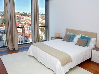 Photo for Four-Bedroom Apartment with Pool and City View