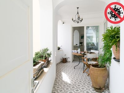 Photo for Modern, comfortable, 3 'from the center of Capri, breathtaking view, free wi-fi