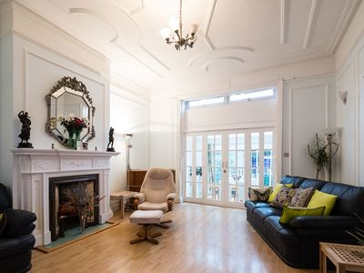 Photo for Modern 1 bed flat in Hampstead with patio and garden (Veeve)