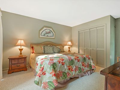 Photo for SUMMER IN SEA PINES 2 Bed, 2 Bath. Pool and Tennis on site. 3 minutes bike to the beach!
