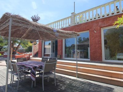 Photo for Studio in beautiful villa with heated pool and jacuzzi, 15 min from the sea!