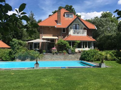 Photo for Charming villa with swimming pool near Amsterdam