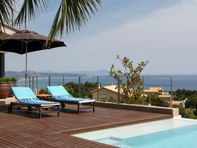 Photo for Villa with infinity pool and spectacular panoramic views