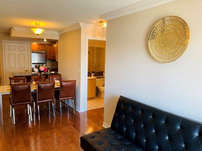 Prime Luxury 3 Bedroom 2 Bathroom Apartment With Cn Tower View In The Heart Of Downtown Toronto Old Toronto Download Free Architecture Designs Xoliawazosbritishbridgeorg