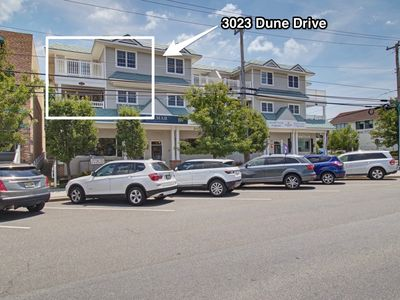 Photo for Here is a lovely 3 bedroom, 3 bath, second and third floor townhome only 2 blocks to the beach and right in the center of town