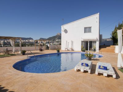Photo for Holiday rental villa situated in Calpe (Costa Blanca) for maximum 4 people.This beautiful villa is located in a quite area, very close to the urban center of Calpe and the Arenal-Bol Beach.