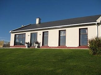 Photo for 4BR Bungalow Vacation Rental in Ventry, County Kerry