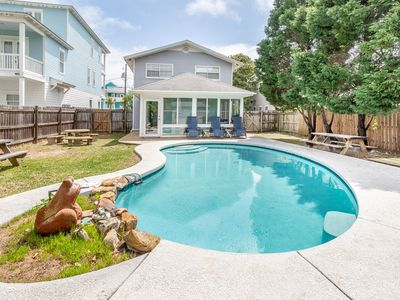 Photo for Private Heated Pool ** 3rd House From The Beach ** Fully stocked with everything