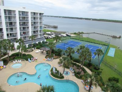 Beautifull tropical landscaping and tons of amenities await at our GSSRC resort!