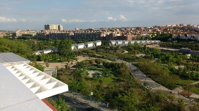Photo for Apartment Madrid Rio Park, 4 Bedrooms,.AA, Piramides Station, Family friendly