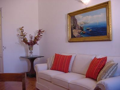 Photo for Altoviti Big apartment in Centro Storico with WiFi & air conditioning.