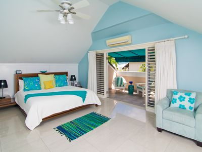 Photo for Beautiful Luxury Apartment Oceanfront Property Montego Bay