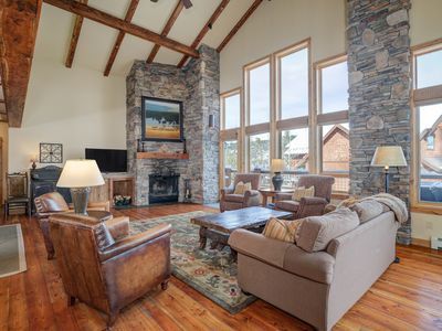 Photo for Large Luxury Townhome. Great Location, Easy Ski Lift Access, Walk To Resort!