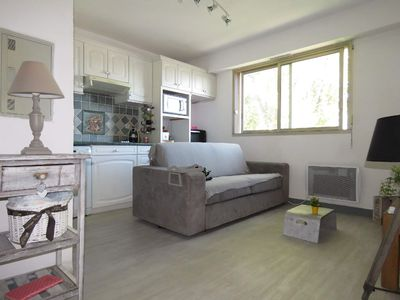 Photo for Residence with pool Villeneuve-Loubet F2
