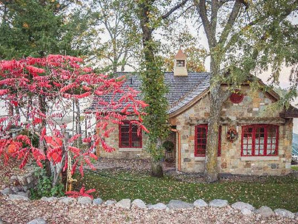 Beautiful Stone Cottage Warm Cozy Get Away Vrbo