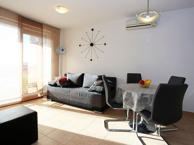 Photo for SUNNY APARTMENT IVA with sea view