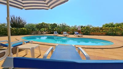 Photo for 2 Bedroom, Lovely Holiday Cottage Silvestre, Alcantarilha
