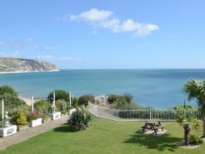 Photo for Beautifully presented one bedroom cliff top apartment